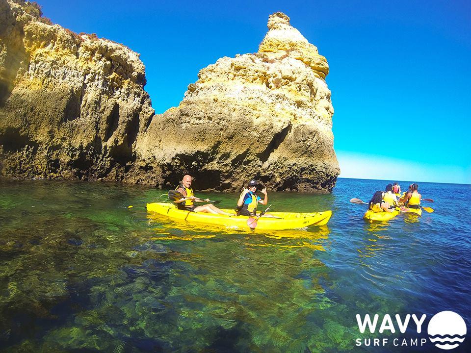 wavy-surfcamp-portugal-1 - escuelas de surf – surf camps